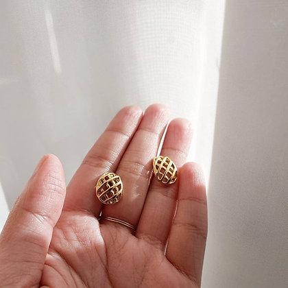 80s Gold Toned Woven Pierced Earrings