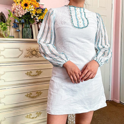 60s White & Blue Floral Lace Bishop Sleeve Mini Dress, XS