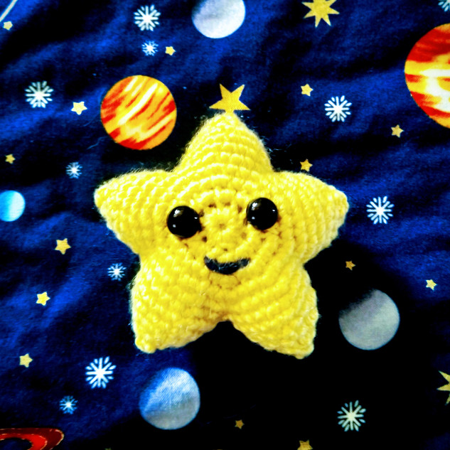 Tiny Twinke Star Amigurumi