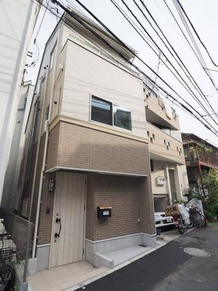 3 Rooms Shinjuku ที่พักพิงกลางโตเกียว