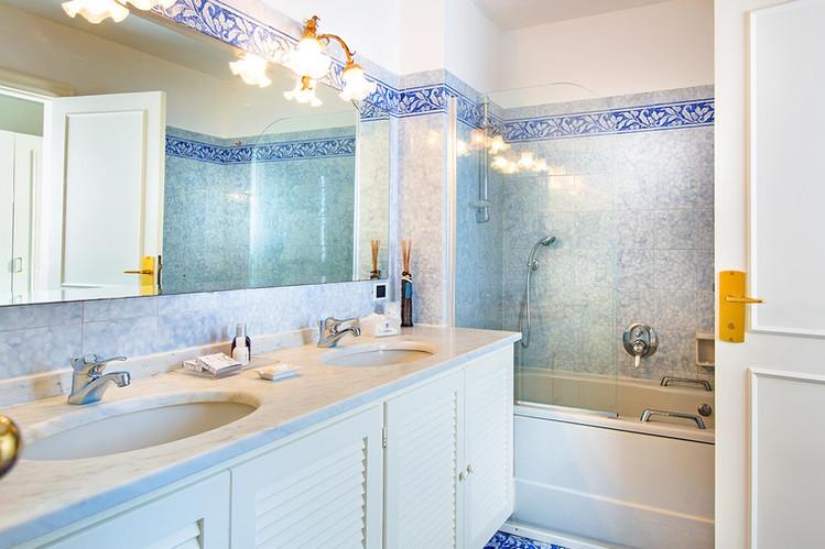 Bathroom - Hotel La Vega