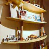 מדפי הגלשן בסטודיו
