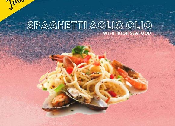 Spaghetti Aglio Olio with Fresh Seafood