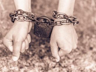 Governo e justiça violam o sigilo da fonte, liberdade de imprensa e a liberdade de expressão.