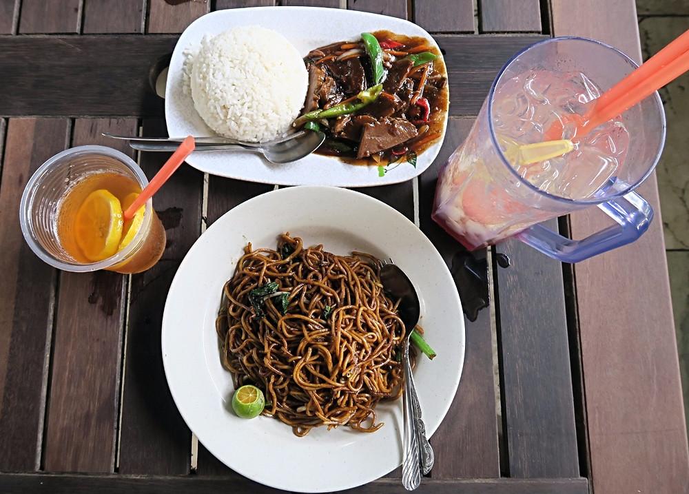 malaysian food mee goreng sabah malaysia borneo