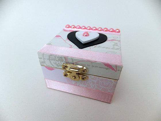 Vintage Heart Keepsake Box