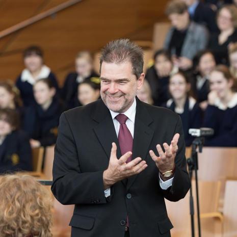 Dr. Ralph HULTGREN (Australia)