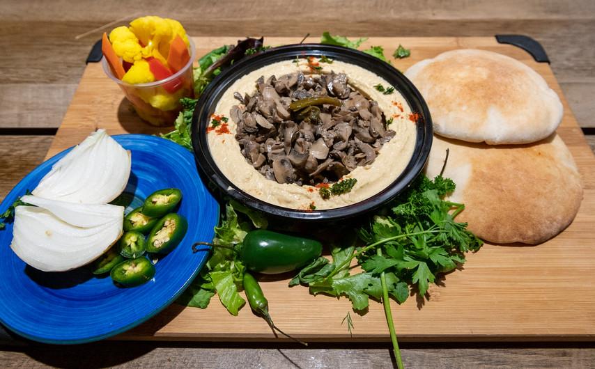 Hummus with Mushrooms