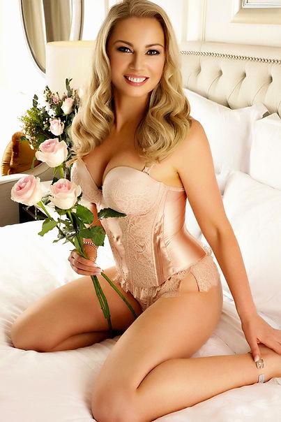 Heidi with flowers