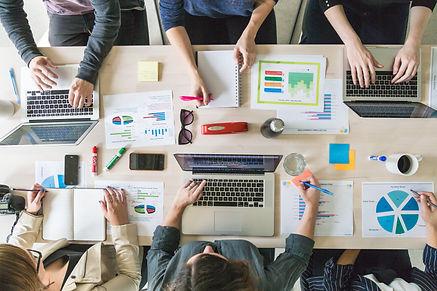 business-team-meeting-boardroom_4460x446