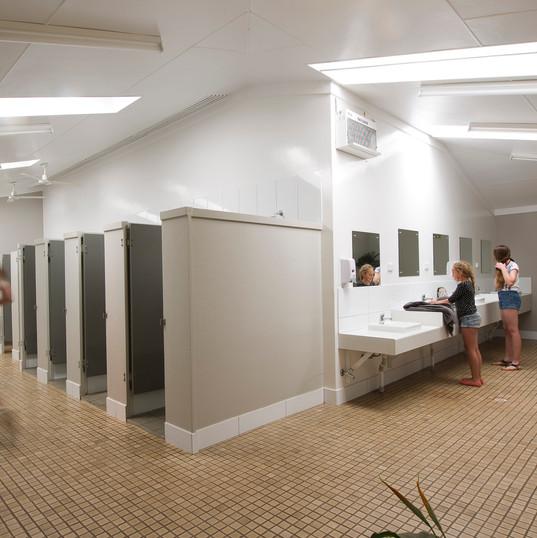 female bathroom _EAS0669.jpg