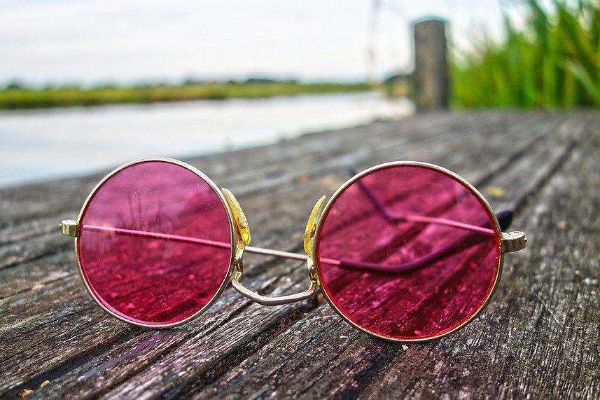 glasses-3002608_1280.jpg