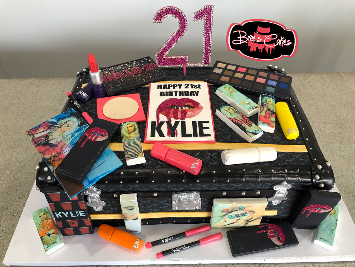 Kylie Jenner's 21st Birthday Cake