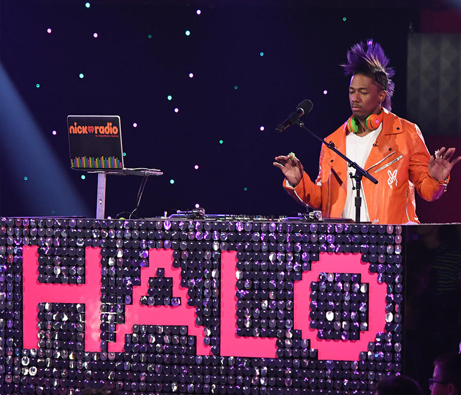 HALO-2016-sneak-nick-cannon-dj-booth-4x3