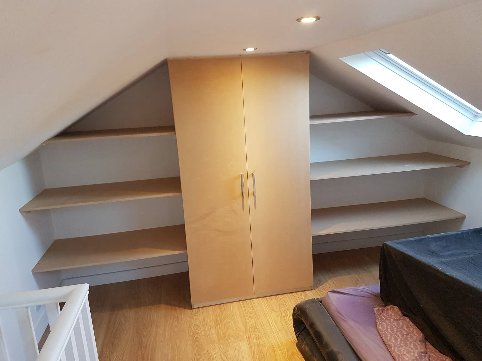 Attic Room - Wardrobe and Shelving
