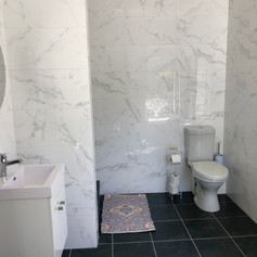 apartments 2 bathroom