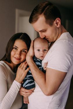 zdjecia-rodzinne-sesja-rodzinna-noworodk