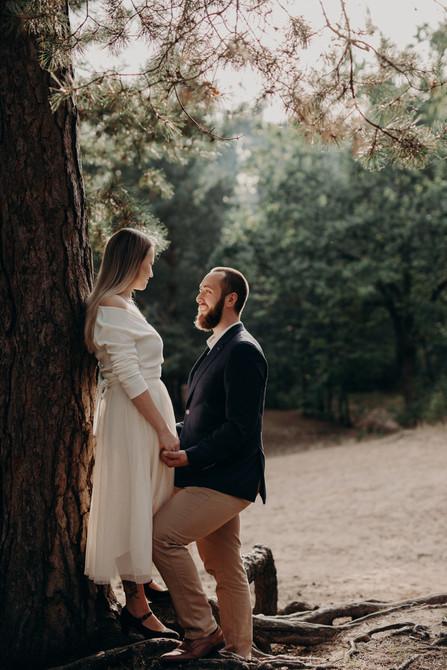 Romantyczna-sesja-narzeczeńska-Zalesie-D
