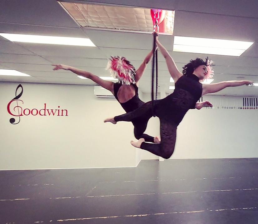 Aerial Hoop (Danse et Cirque) Showreel