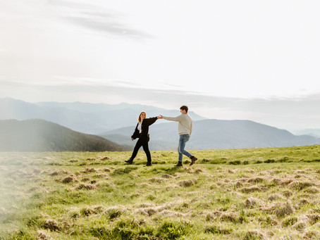 Adventurous Mountain Couples Session at Max Patch