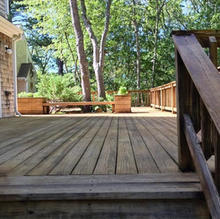 Marstons-Mills-house-and-deck-washed-and