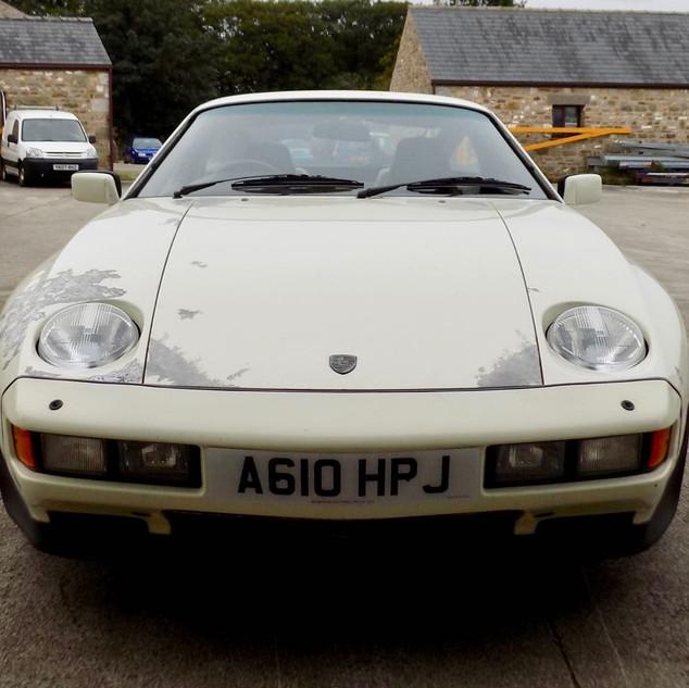 Porsche 928S2