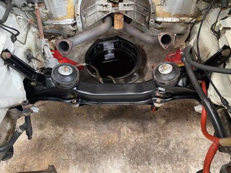Porsche 928S2 engine bay, after & before