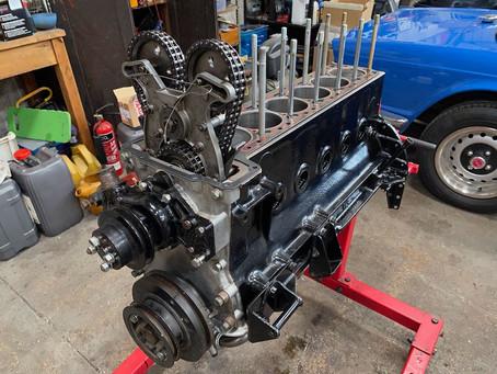 Jaguar XJ6 engine assembly