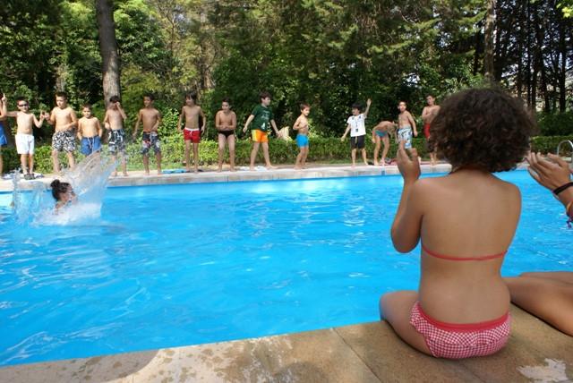 animando piscina.jpg