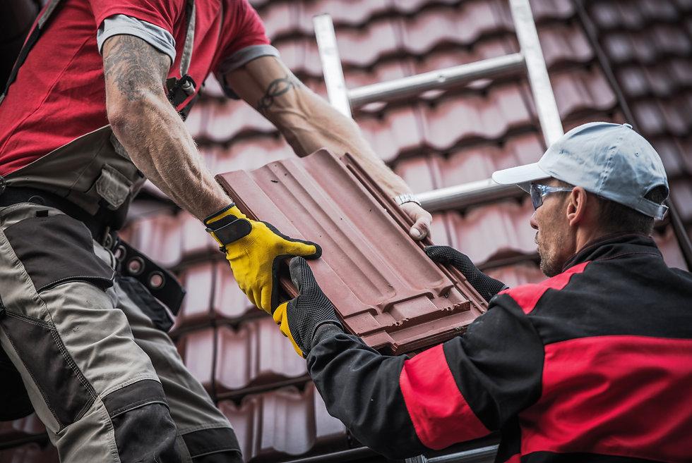 red-roof-tiles-installation-PP8QLMV.jpg