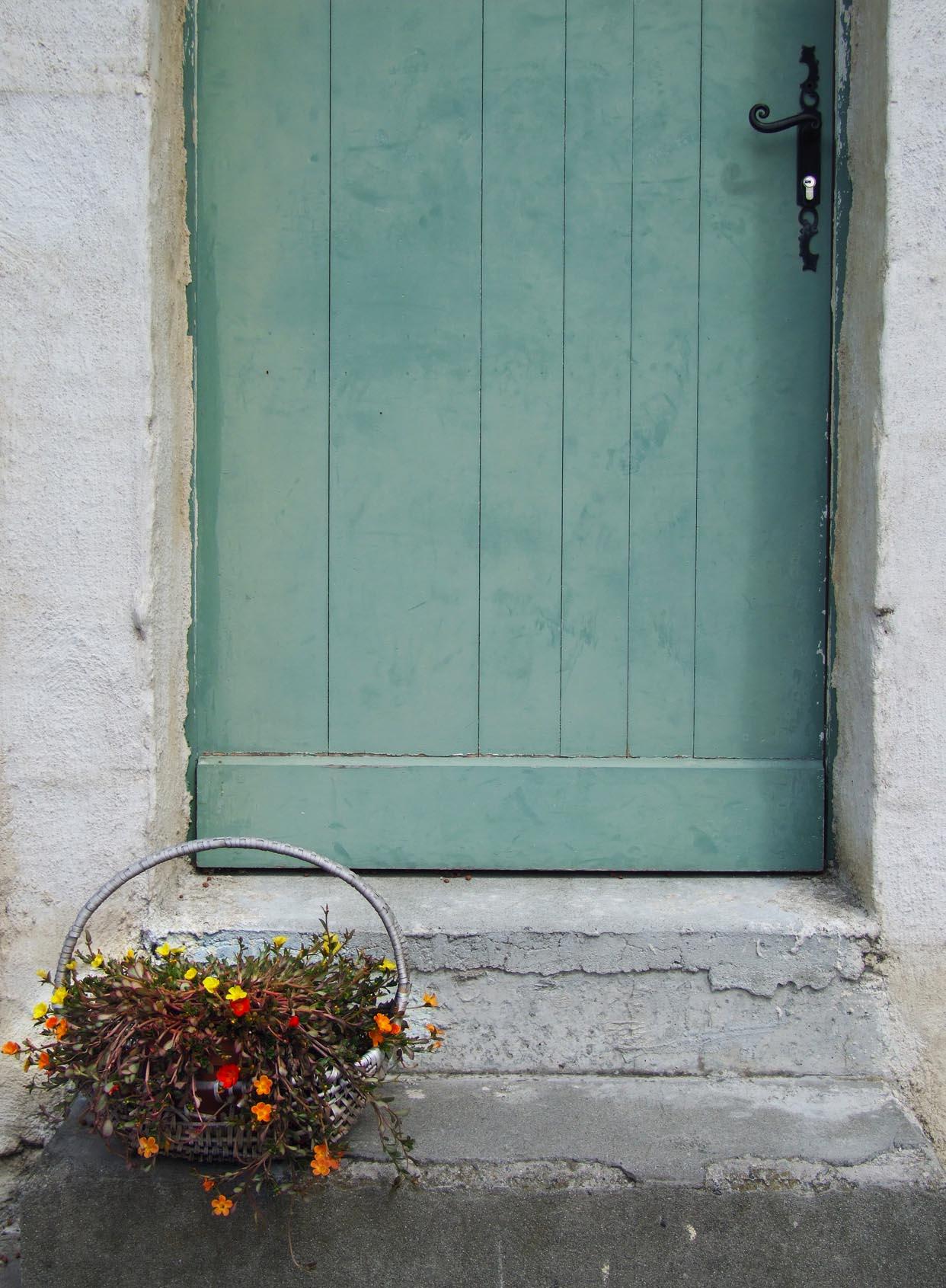 T door