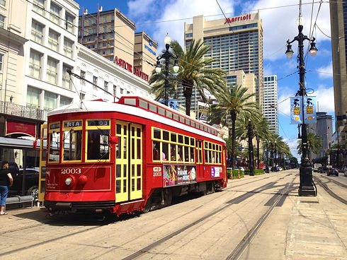 Canal_Streetcar_in_New_Orleans,_Louisian