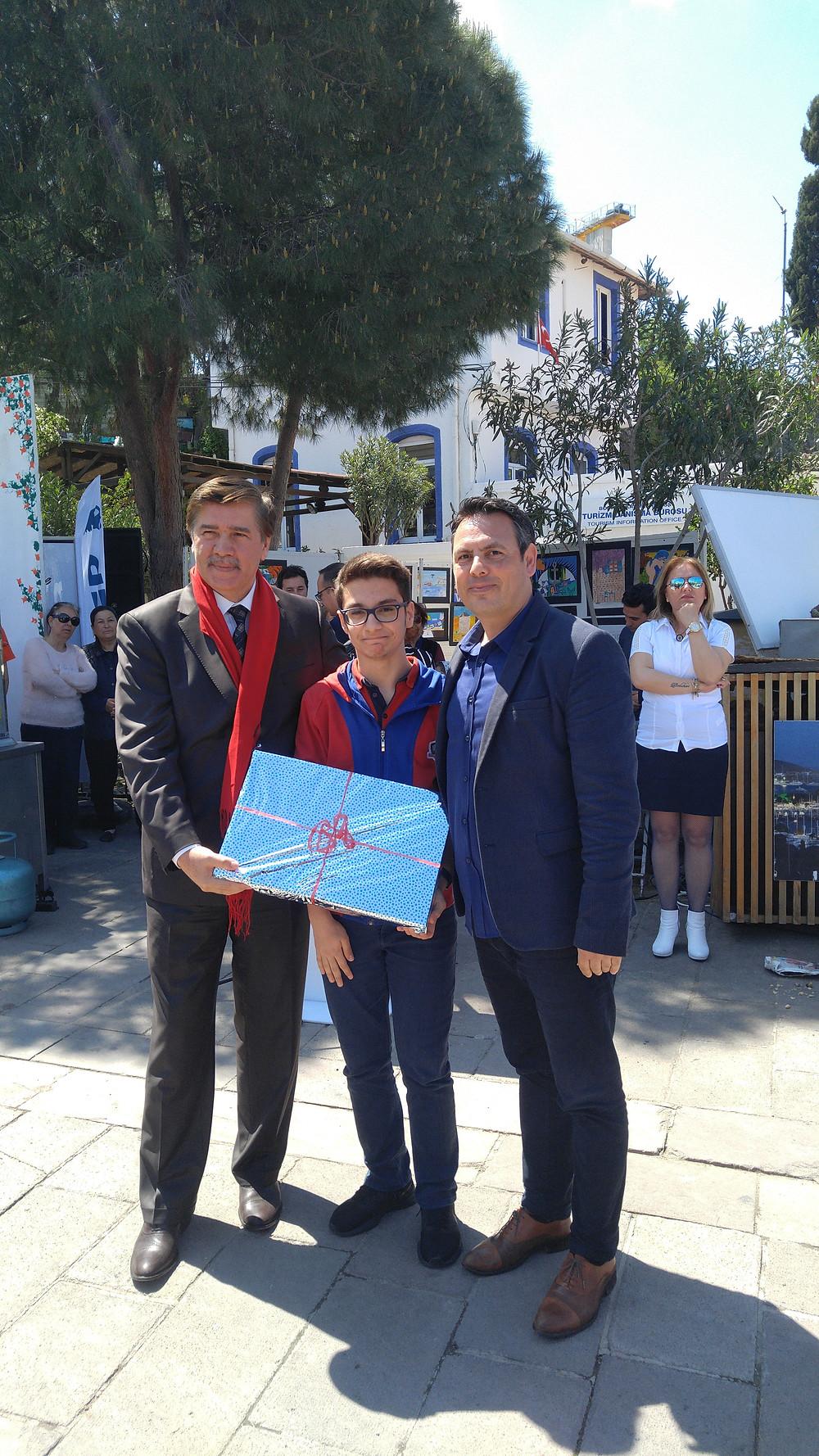 15-22 Nisan 2019 tarihleri arasında kutlanan Turizm Haftası etkinlikleri kapsamında BODER (Bodrum Otelciler Derneği) tarafından düzenlenen ortaokullar arası Turizm ve Bodrum konulu resim yarışma birincisi.