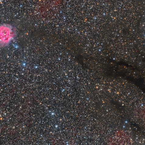 IC 5146 Las Nebulosa del Capullo junto a B168