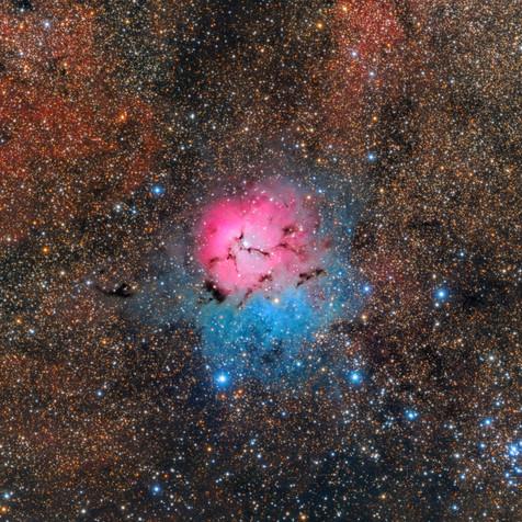 M20 Nebulosa Trífida en Sagitario