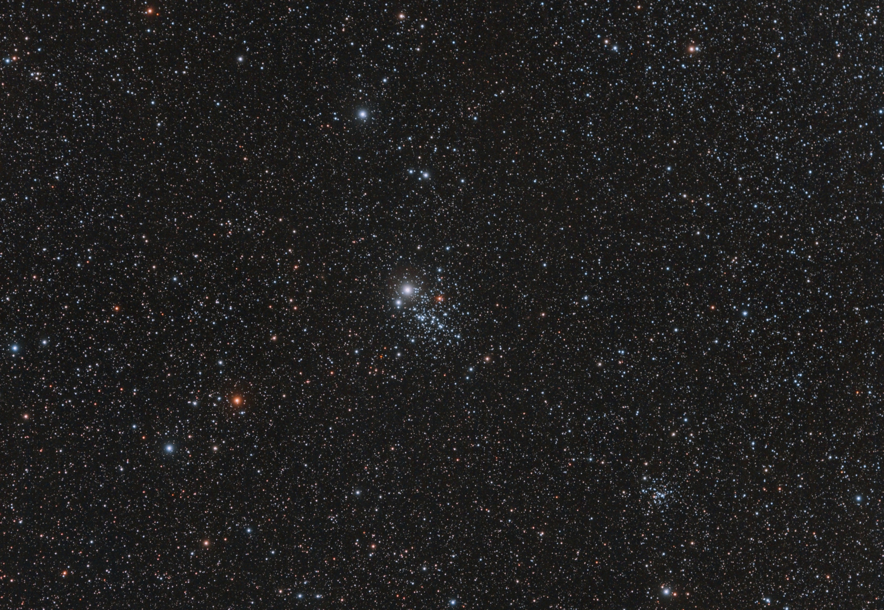 NGC 457 El Cúmulo  ET