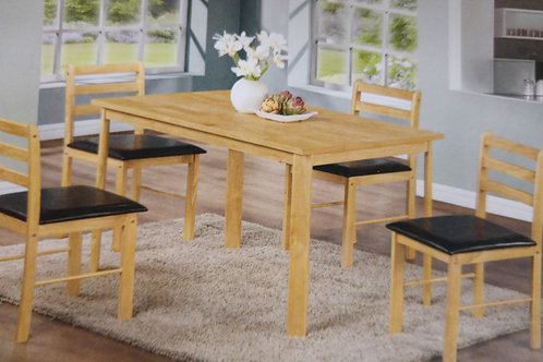 Nice Dining Table and 4 Chairs