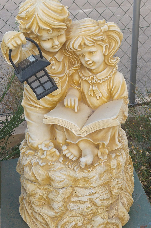 Concrete Boy and Girl Reading with Solar Lantern