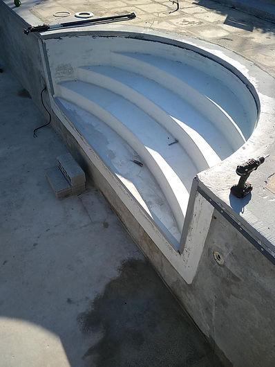 Renovation escalier Robert avant pose de