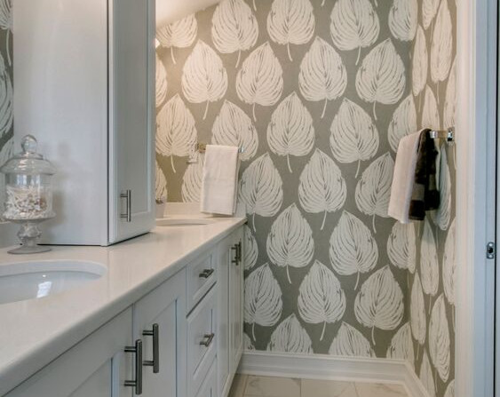 leaf_bathroom.jpg