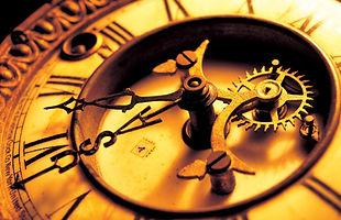 Antique_mechanical_clock.jpg