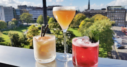 Complimentary Cocktails with Dinner at Harvey Nichols