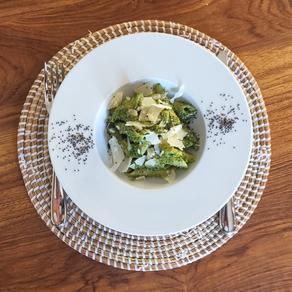 Rigatoni, pesto maison et graines de chía