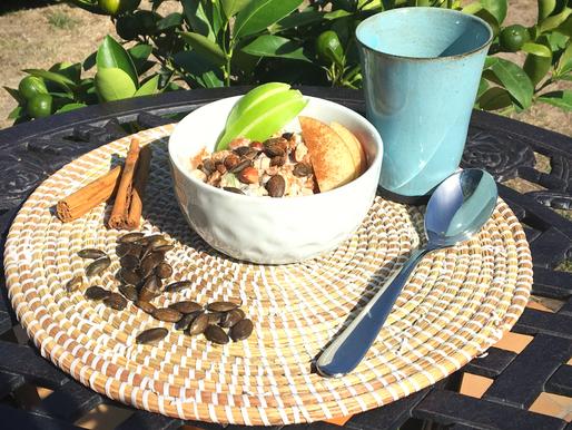 Bol de quinoa bio et équitable au petit déjeuner