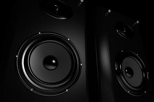 speakers.4209428.jpg