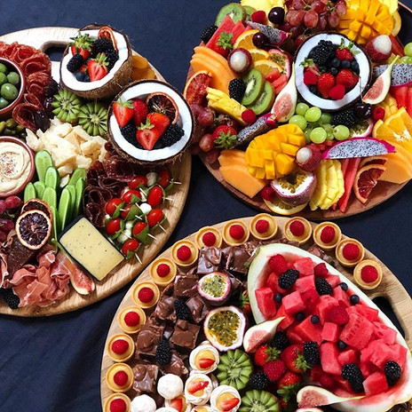Medium Antipasto, Fruit & Dessert Platters