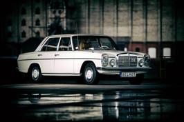 """Mercedes Benz W115 """"Strich/8"""""""