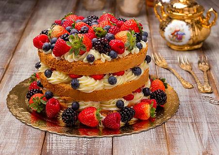 naked cake de frutas vermelhas - maria b