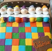 bolo decorado com pasta americana - branca de neve e os sete anoes - maria bolo
