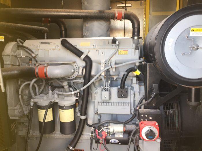 600KW_Enclosed_Generator_01-700x525.jpg